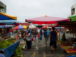 Satok Sunday market